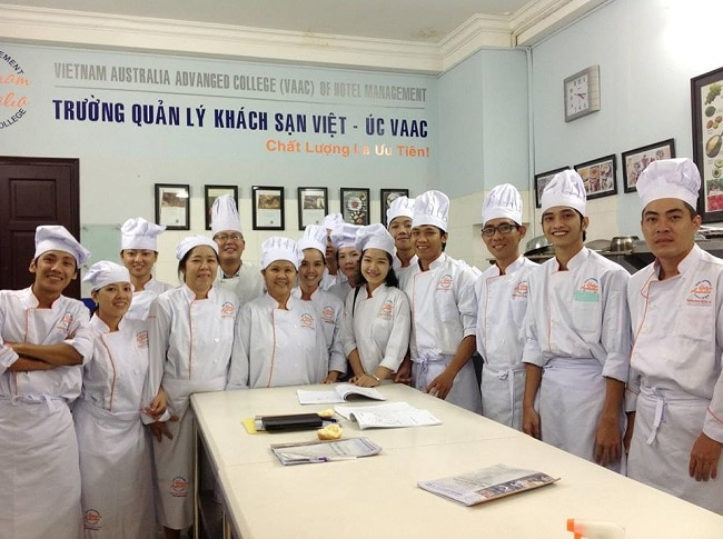 Trường quản lý khách sạn Việt Úc là Top 5 địa chỉ học làm bánh uy tín và chất lượng nhất tại TPHCM
