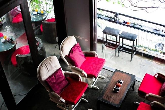 Cafe Kleine Ecke là Top 5 Địa điểm ăn uống ngon nhất trên đường Tô Hiến Thành, Q.10, TPHCM