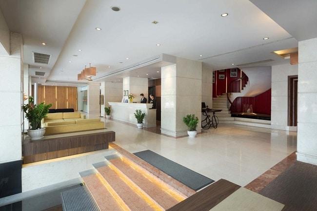 """Khách sạn Palace Sài Gòn là Top 10 Khách sạn giá """"rẻ mà tốt"""" nhất Quận 1"""