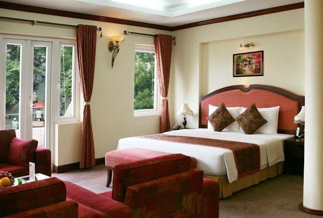 """Khách sạn Hòa Bình là Top 10 Khách sạn giá """"rẻ mà tốt"""" nhất Quận 12"""