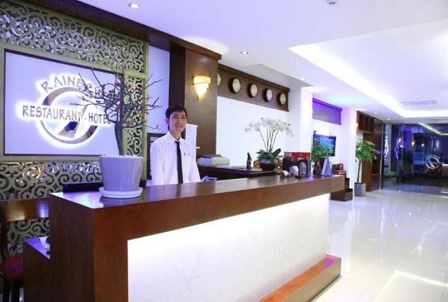 """Khách sạn Rain Bow là Top 10 Khách sạn giá """"rẻ mà tốt"""" nhất Quận 5"""