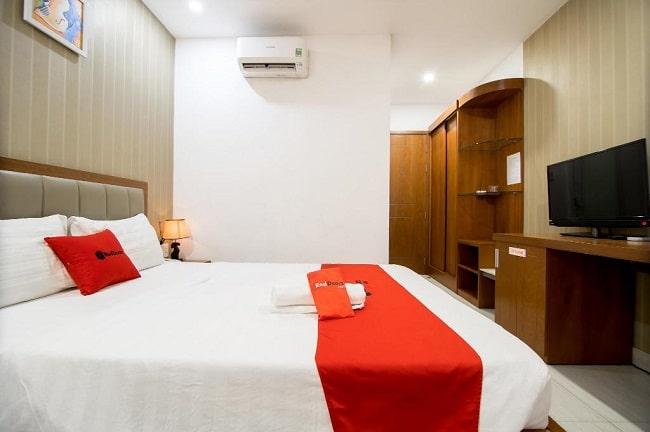 """RedDoorz Plus là Top 10 Khách sạn giá """"rẻ mà tốt"""" nhất Quận Tân Bình"""