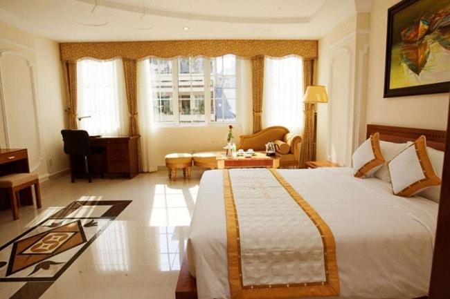 """Khách sạn Hoàng Long Sơn 3 là Top 10 Khách sạn giá """"rẻ mà tốt"""" nhất Quận Thủ Đức"""