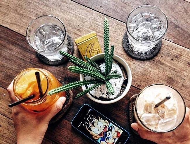 Hoa sứ Cafe là Top 5 Quán cà phê cho cặp đôi hẹn hò lý tưởng tại Q. Bình Tân, TPHCM