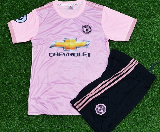 Hồng Phúc Sport là Top 10 Shop quần áo bóng đá uy tín nhất tại TPHCM