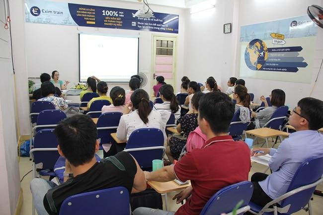 Eximtrain là Top 5 Trung tâm đào tạo xuất nhập khẩu tốt nhất tại Hà Nội và TPHCM