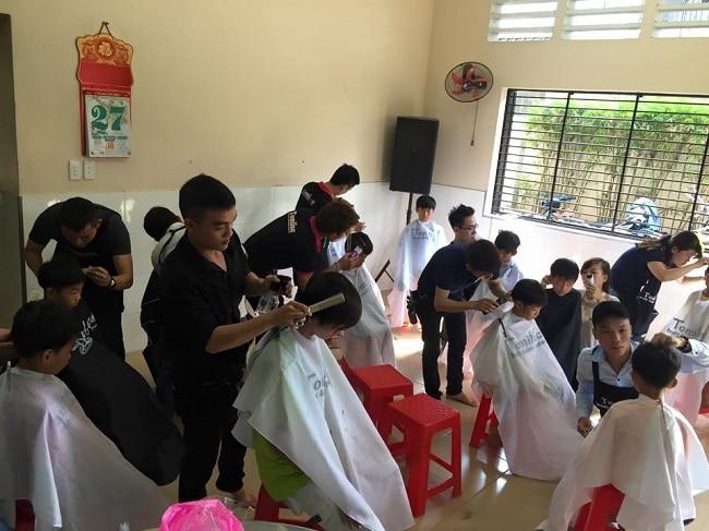 Tomiluc là Top 11 Trung tâm dạy nghề cắt tóc chuyên nghiệp nhất tại TPHCM