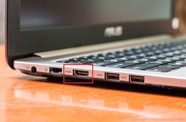 Vệ sinh các cổng kết nối laptop
