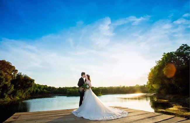 Tàu về quê hương là Top 10 bài hát đám cưới hay nhất mọi thời đại