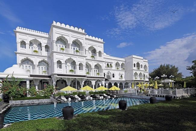 Tajmasago Castle là Top 10 Khách sạn 5 sao tốt nhất tại TPHCM