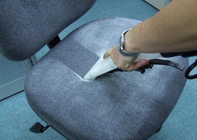 Cách vệ sinh ghế xoay văn phòng bằng vải nỉ, vải thô
