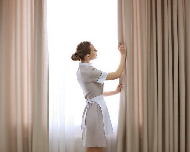 Sử dụng máy giặt để vệ sinh rèm cửa bằng vải