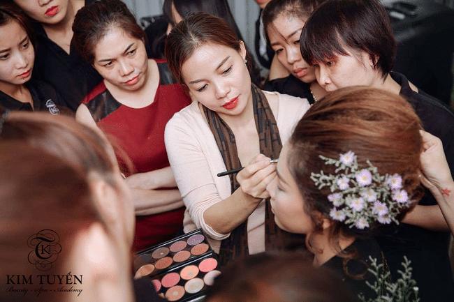 Kim Tuyến Academy là Top 10 địa chỉ dạy học trang điểm chuyên nghiệp và nổi tiếng nhất