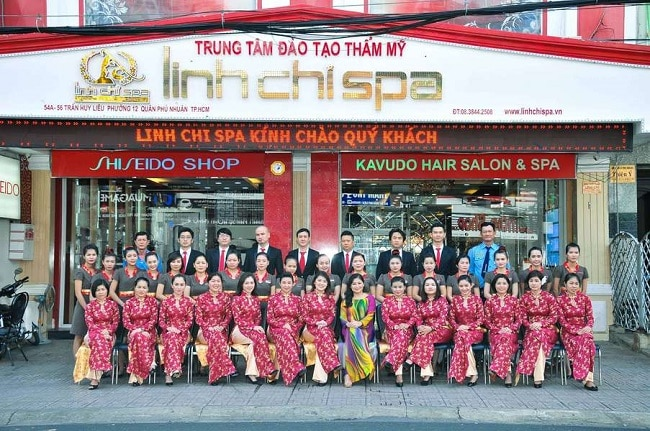 Trung tâm dịch vụ spa và đào tạo thẩm mỹ Linh Chi là Top 10 địa chỉ dạy học trang điểm chuyên nghiệp và nổi tiếng nhất