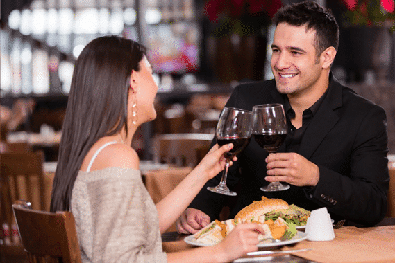 Quà sinh nhật cho bạn trai bữa tối lãng mạn