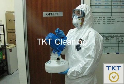Phun xịt khử trùng tại văn phòng công ty TKT