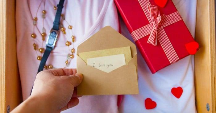 30 món quà ý nghĩa tặng bạn trai nhân dịp sinh nhật ý nghĩa nhất - Áo sơ mi