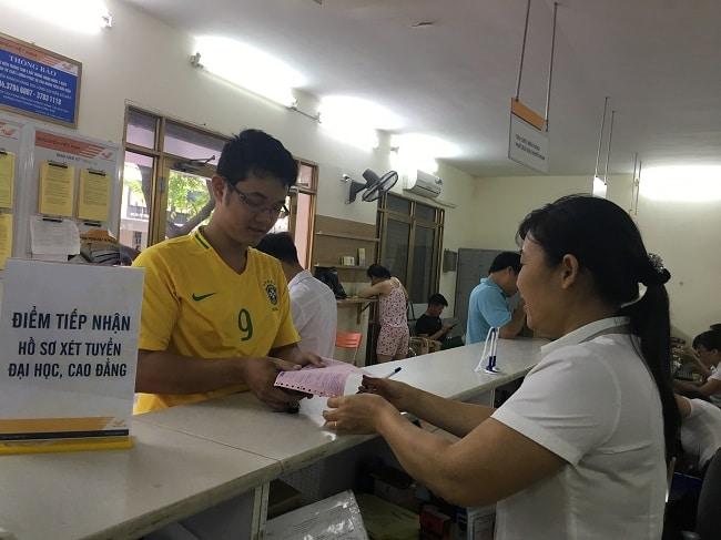 Bưu điện quận 10 Ngã Sáu Dân Chủ