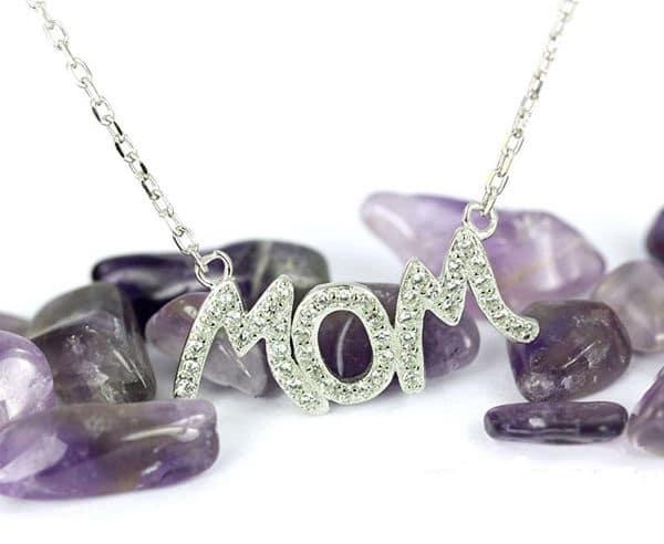 Món quà tặng mẹ ý nghĩa -  Trang sức