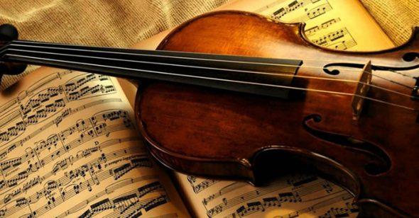 Món quà ý nghĩa tặng mẹ chồng - Bản nhạc cổ điển