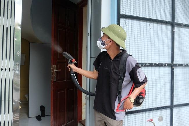 Phun thuốc diệt muỗi Fendona tại nhà