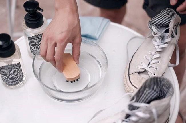 Top 5 dịch vụ vệ sinh giày uy tín tốt nhất TP.HCM