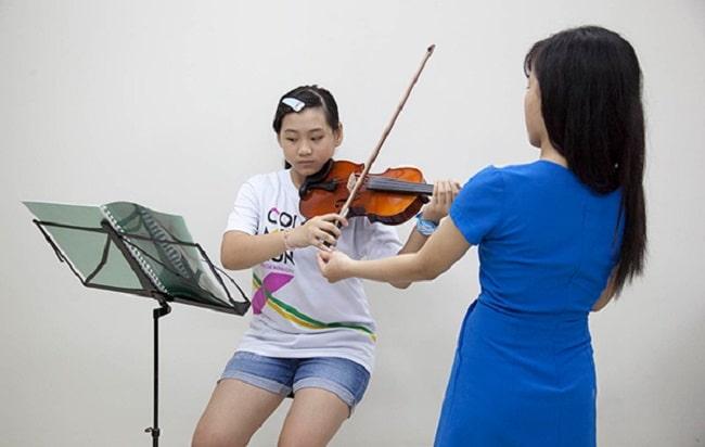 Trung tâm dạy Violin âm nhạc Yam