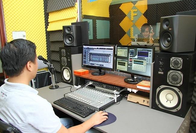 Phòng thu âm FLYPRO Entertainment