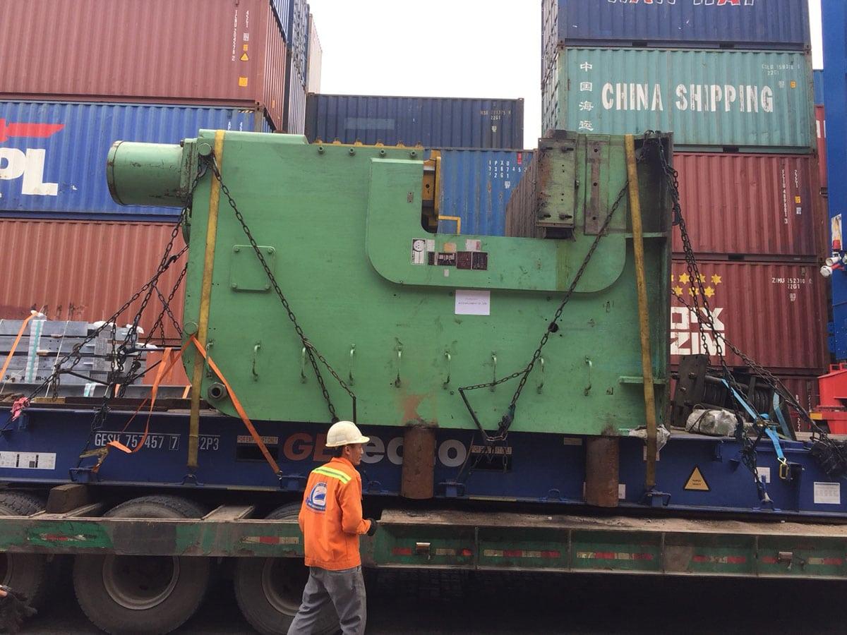 công ty dịch vụ vận tải container Hoa Lâm