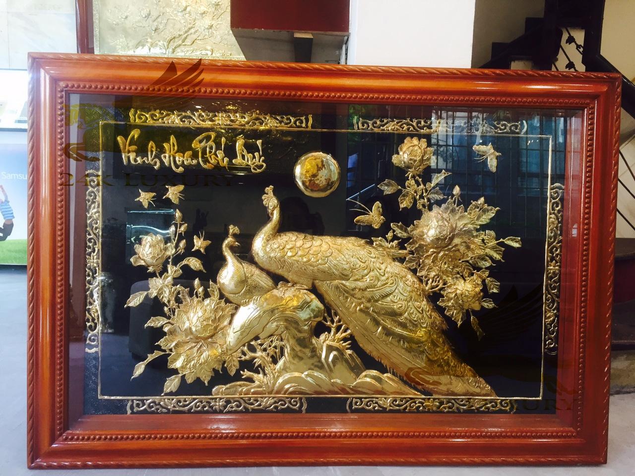 Quà tặng sếp nam - tranh chim công dát vàng 24k