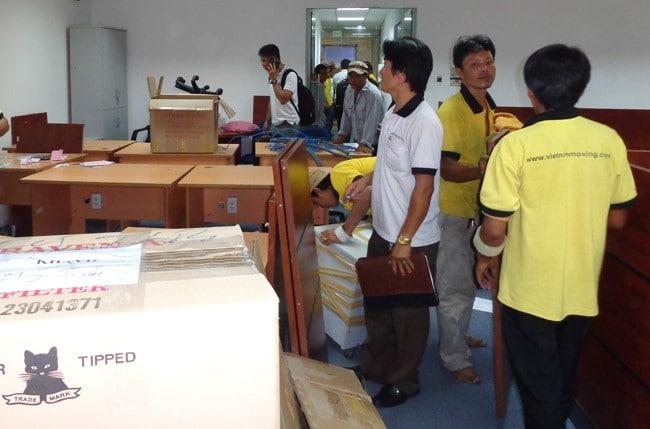 Chuyển nhà trọn gói giá rẻ quận 5 Vietnam Moving