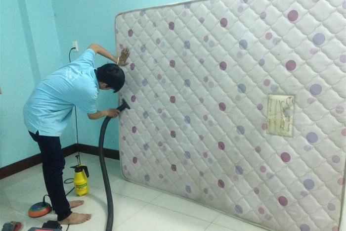 Giá dịch vụ giặt nệm TPHCM