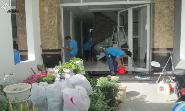 Giá dịch vụ vệ sinh nhà ở TPHCM - Dọn Nhà Phố