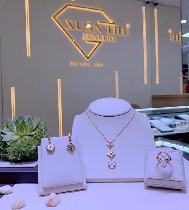 Tiệm vàng Quận 1 - Xuân Thu