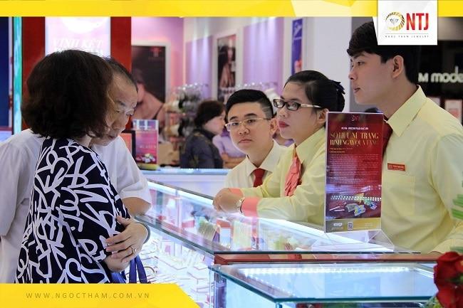 Tiệm vàng quận 2 - Ngọc Thẫm