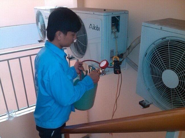 Dịch vụ vệ sinh máy lạnh uy tín quận 1-Điện lanh quản lí