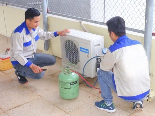 Dịch vụ vệ sinh máy lạnh uy tín quận 1-Hoàng Gia phát