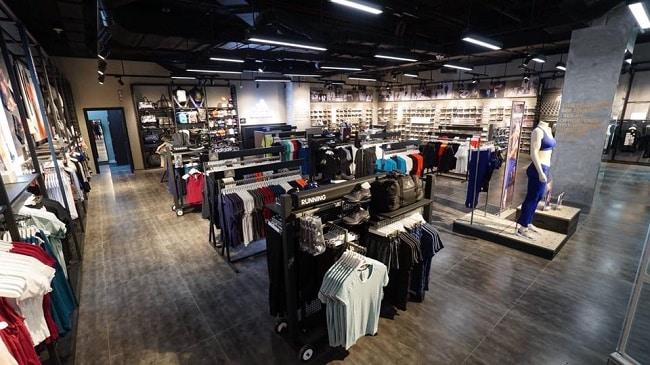 Shop giày Adidas chính hãng TPHCM-Diamond Plaza quận 1