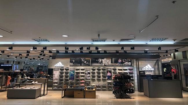Shop giày Adidas chính hãng TPHCM-Parkson Hùng Vương