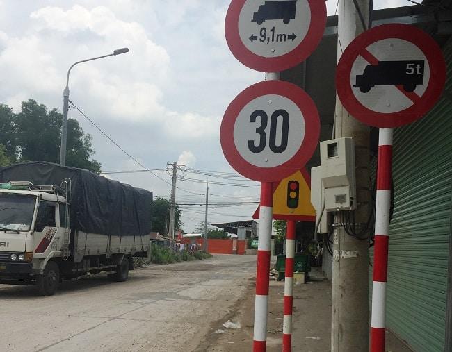 Biển cấm xe tải trên 5 tấn