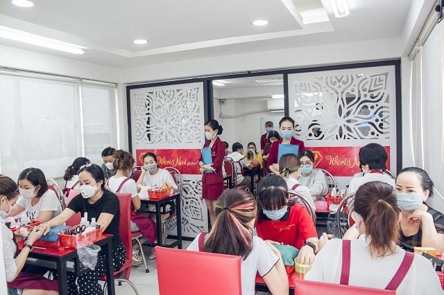 Đào Tạo Nail tại World Nail School