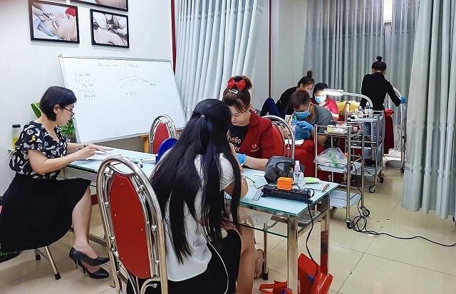 Đào tạo phun xăm thẩm mỹ tại World Nail School