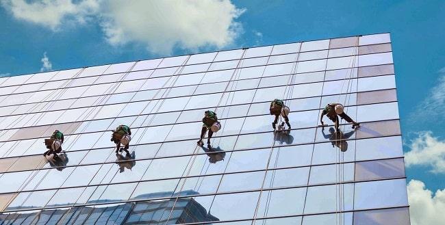 Lau kính tòa nhà VSCN