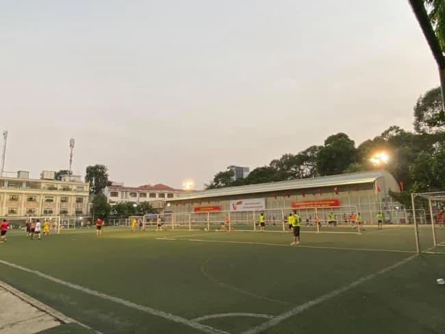 Sân bóng đá quân 1- Tao Đàn