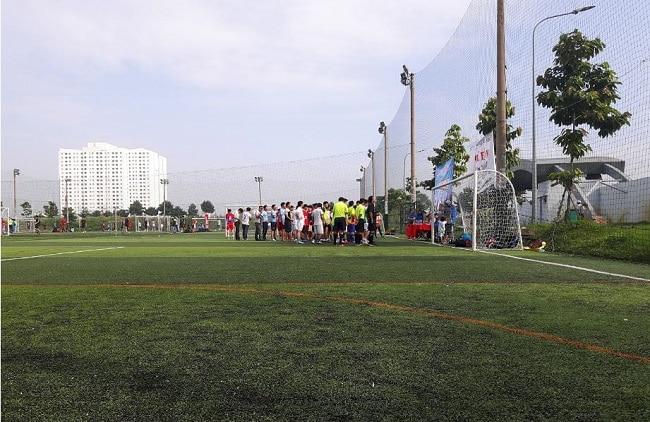 Sân bóng đá HCA