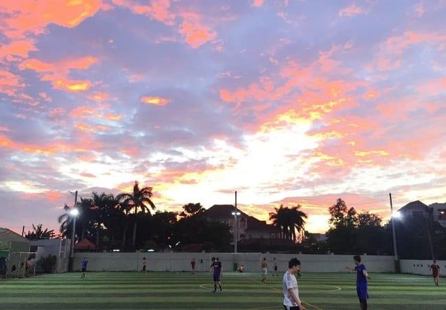 Sân bóng đá Ngọc Việt
