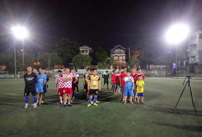 Sân bóng đá Xóm Trũng