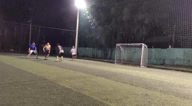 Sân bóng đá Bình Quới