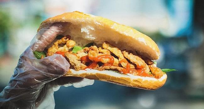 Bánh mì chả cá Má Hải