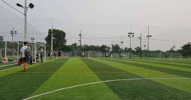 Sân bóng đá Hiếu Hoàng Long